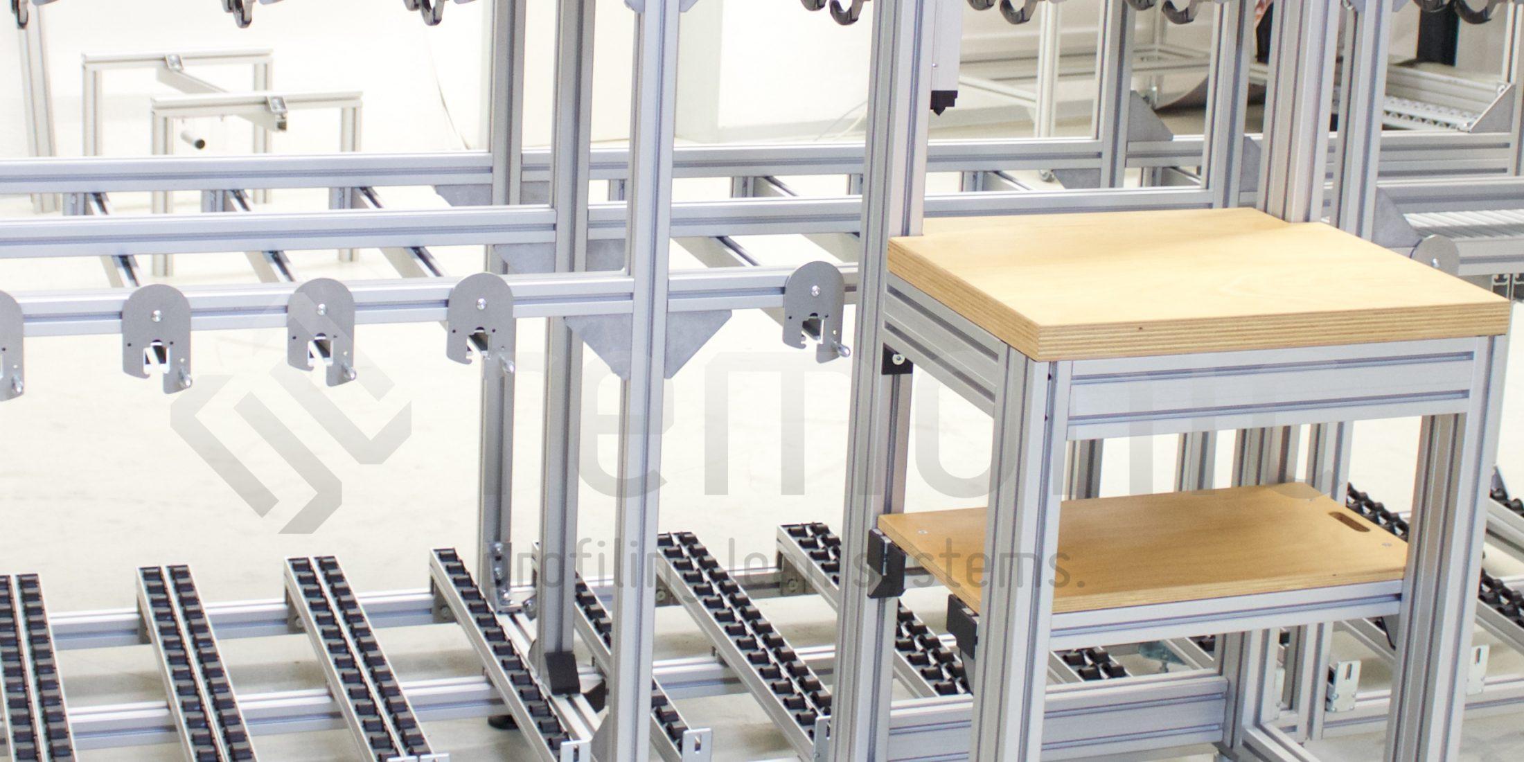 Spezifische Zuführeinrichtungen mit Werkstückträgern und Arbeitsplätzen ist einer der Kernkompetenzen von remonic®.